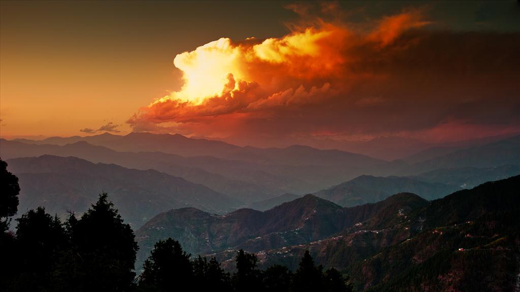 Fond d 39 cran coucher de soleil sur les montagnes - Photo coucher de soleil montagne ...