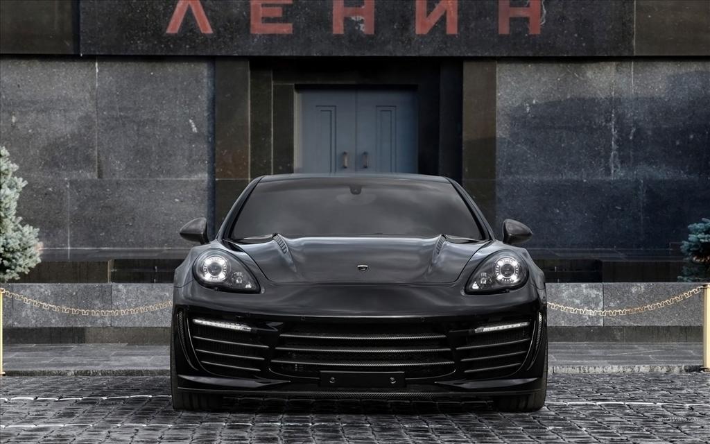 Fond D 233 Cran Porsche Panamera Turbo