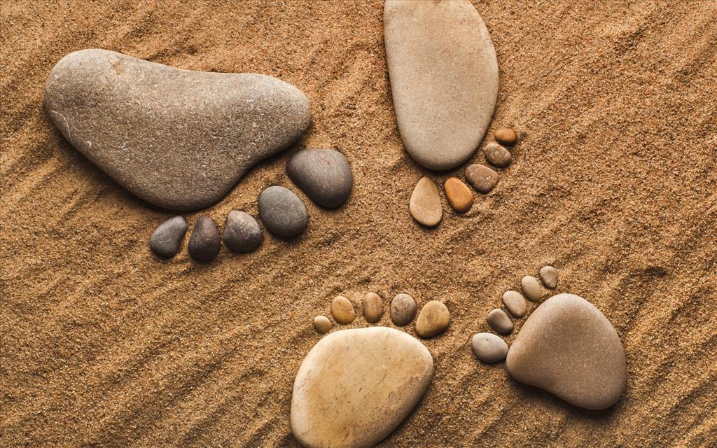 Fond d 39 cran pieds en galets for Fotos piedras zen